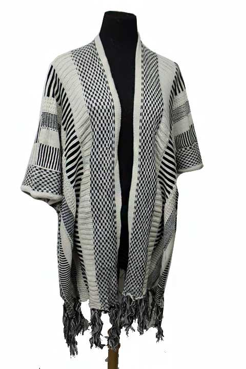 Boho Chic Brand Lined And Checkered Sleeveless Poncho