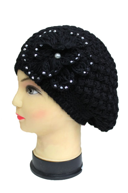 Crochet design with bow Bring Bring Studs Beret Hat