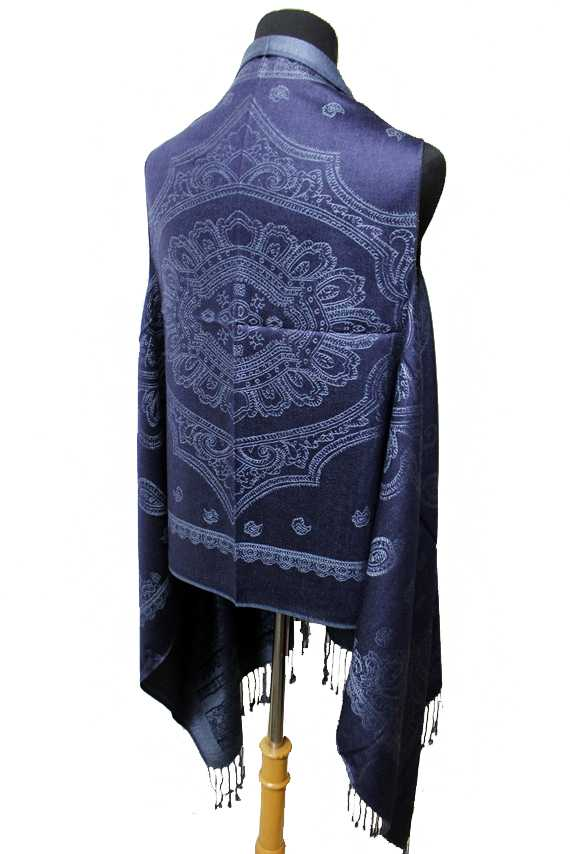 Mandala Center Piece with Paisley Printed Softness Pashmina Kimono